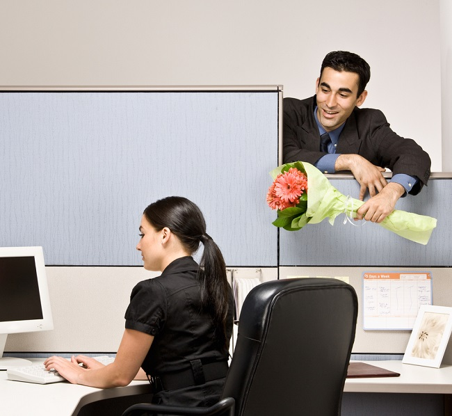 Office Romance: 4 tips to keep it professional