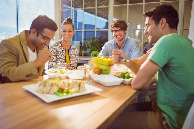 7 tips to network during lunch hour