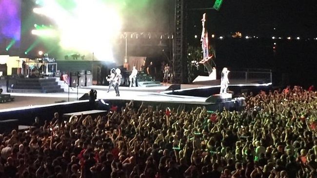 Leadership Lessons From the Guns N' Roses Concert