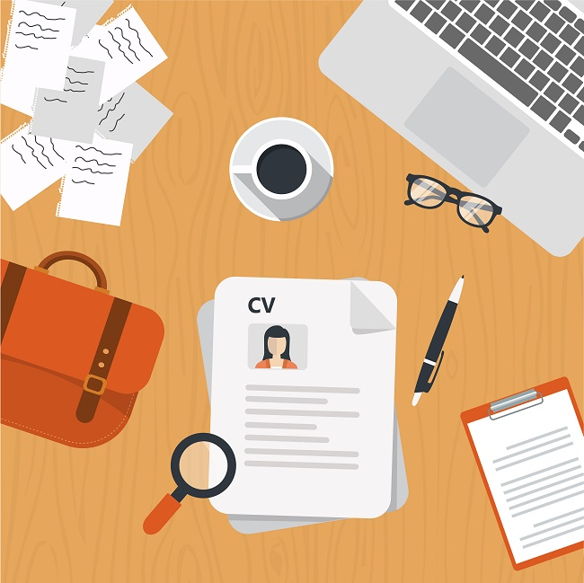 4 Things Recruiters Notice In A CV at First Glance