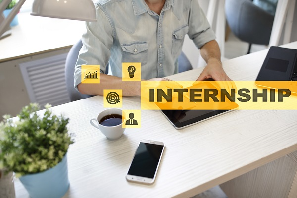 5-step plan to use your internship to get your first job