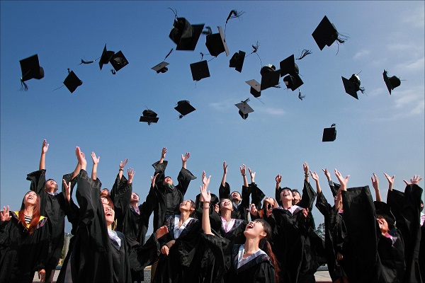 5 essential things fresh grads need to succeed