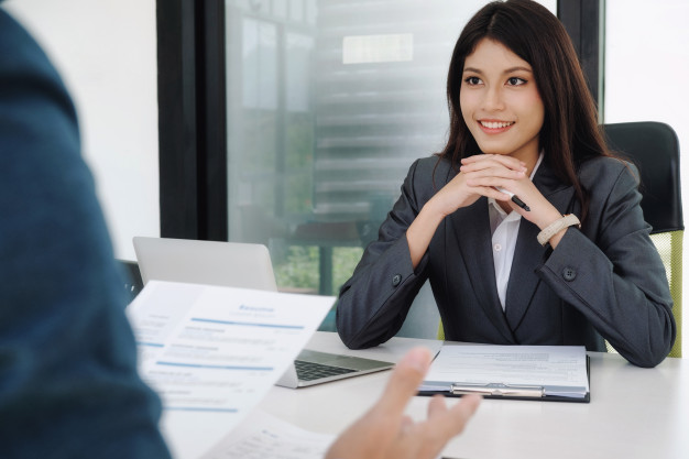 8 essential interview questions for HR professionals